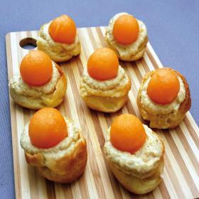 Petits choux de foie gras et melon