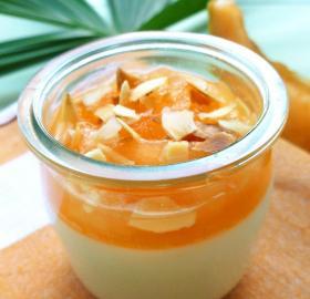 Pannacotta au melon, miel et amandes